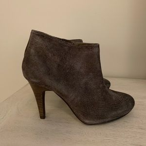 Le Chateau Booties